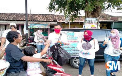 Peduli Cegah Corona, Alumni SMP 2 Batang Bagikan Ribuan Masker